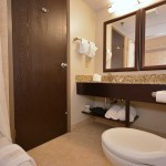 Poolside King Luxurious and Meticulously Cleaned Bathroom