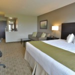 executive-king-work-area-bed