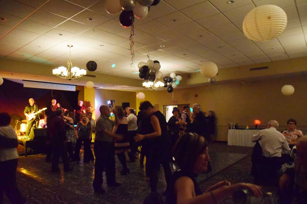 Fun & Dancing New Years Eve 2015