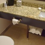 Executive Queen Suite Bathroom